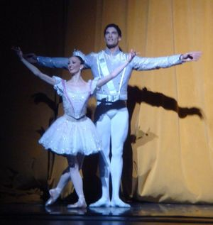 Sugar Plum Fairy Victoria Jaiani and the Nutcracker Prince Fabrice Calmels