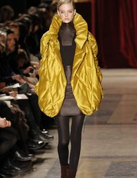 Akris Fall 2010 collection image