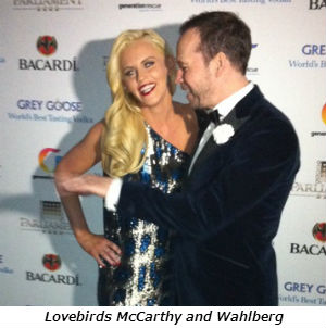 Lovebirds McCarthy and Wahlberg