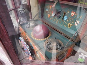 A quivering Quidditch set inside a shop
