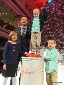 Ryan Seacrest with the Make-A-Wish family